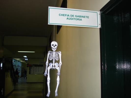 Campus Recebe Decoração Alusiva Ao Halloween~ Decoracao De Halloween Sala De Aula